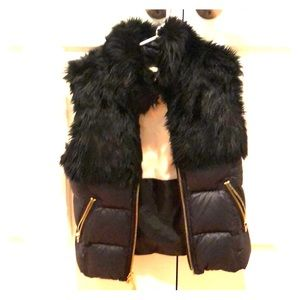 Juicy couture black puffer vest with fur